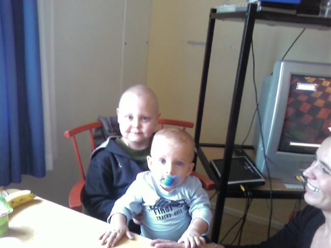 Samuel och Erik, februari 2009.