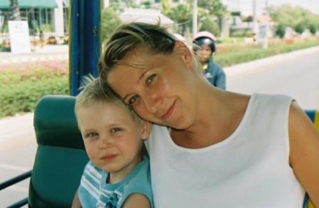 Mamma och Samuel åker Tuk-tuk, april 2007.